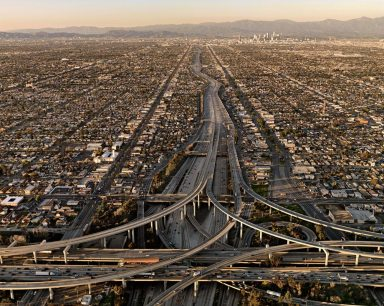 ©Edward Burtynsky© Prix Pictet 2010   Highway #5  2009, Los Angeles, California, USA