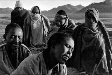 Sebastiao Salgado, Ethiope, 1985 - CLIC X INGRANDIRE