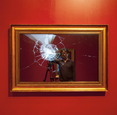2)Broken Mirror, 2011, 42 inch monitor, mac mini, monitor, stereo speakers, 115x77,5x9,5 cm