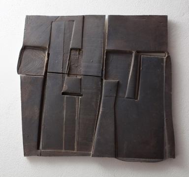 Nada Pivetta, sottorilievo c4, ceramica, 59x 63 x3,5 cm