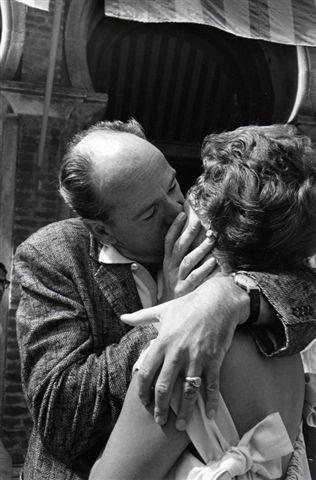Mario De Biasi, Sarita Montiel e Anthony Man, Venezia, 1958, cm 18 x 27