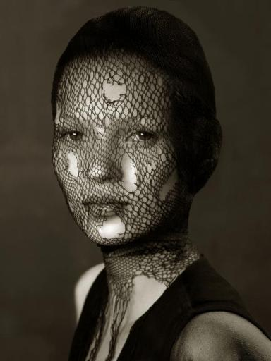 PhotographersLimitedEdition, Albert Watson, Kate Moss in Torn Veil - Marrakech, 1993, Courtesy Albert Watson