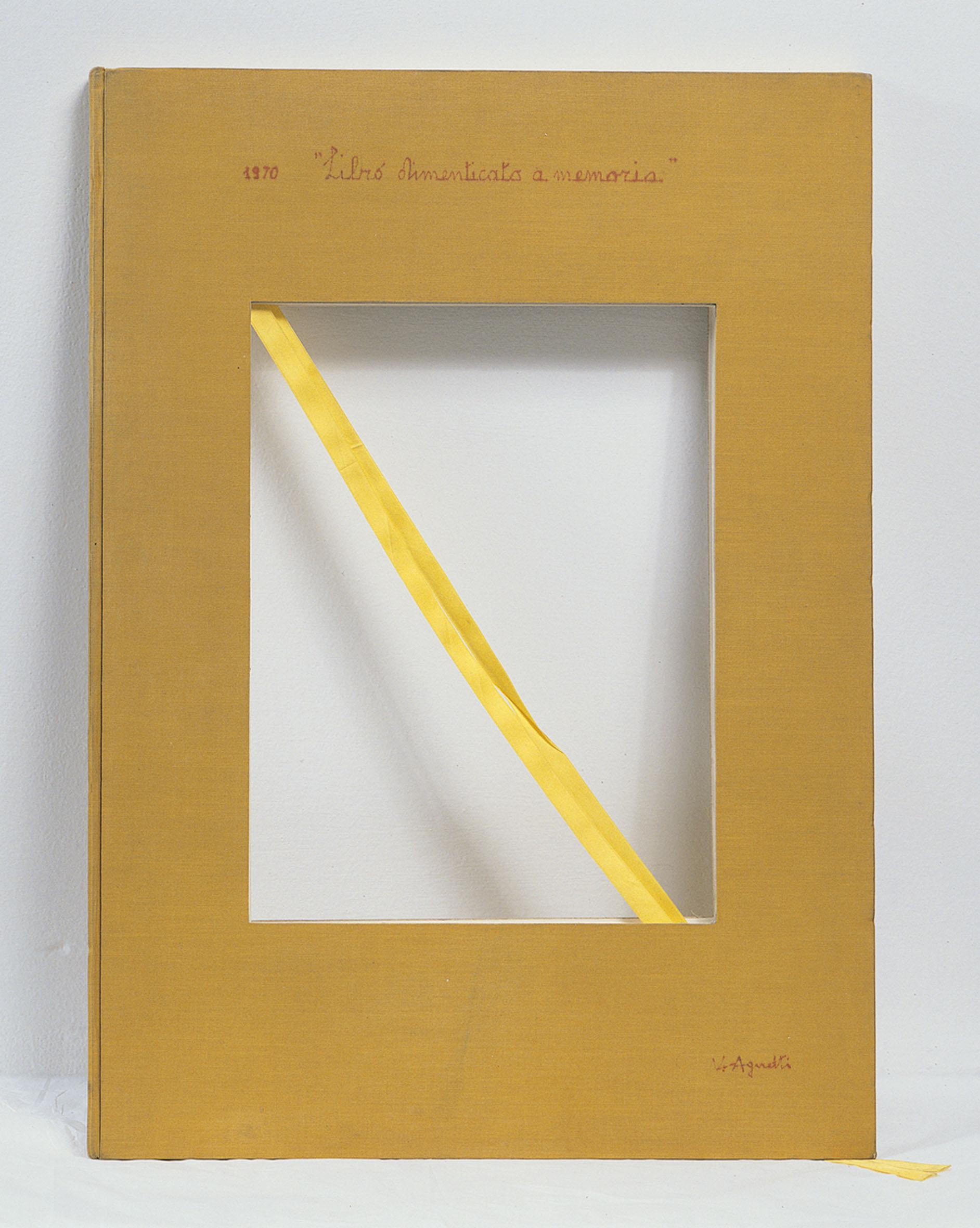 Libro dimenticato a memoria, 1970, libro fustellato al centro con copertina in tela, 70 x 50 cm, Archivio Vincenzo Agnetti, Milano