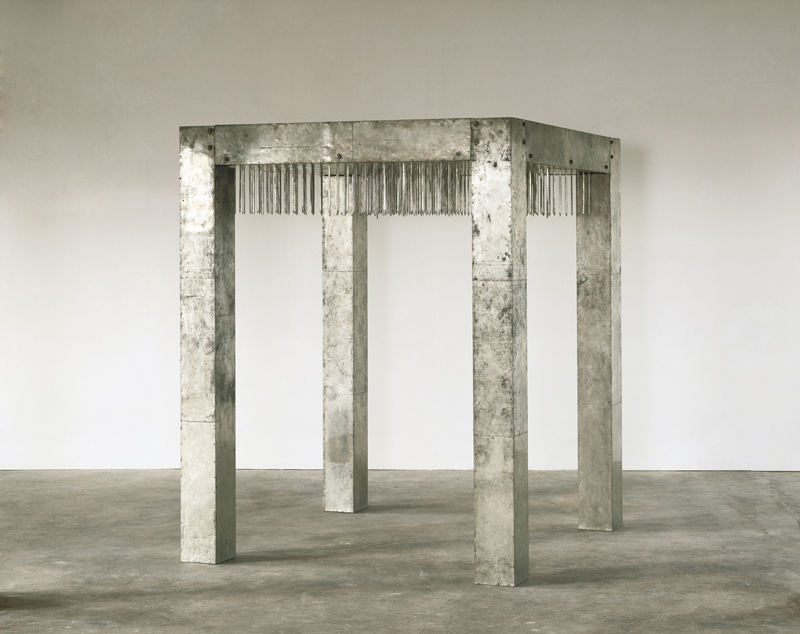 Enrico Castellani - Günther Uecker, Ca' Pesaro Galleria Internazionale d'Arte Moderna, Milano Arte Expo, Tisch 1968 Na¦êgel Metall Holz 220 x180 x180 cm