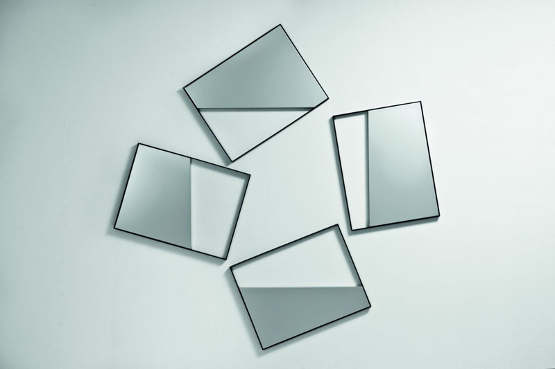 Grazia Varisco, Quadri comunicanti _out_, 2008,Telai in ferro + alluminio, 64 x 49 cm cad.