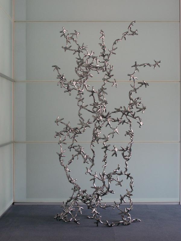 Milano Expo, MUSEO DIOCESANO DI MILANO, ALBERTO DE BRAUD Fine del gioco, Kaos, 2007, alluminio, 230x70x50 cm