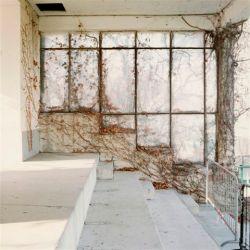 Shots Gallery Bergamo, Barbara Bartolone, Dalla serie _Finestre 02_, Milano, 2000, negativo a colori 6X6 cm