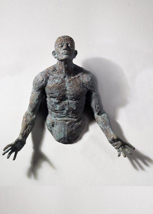 Matteo Pugliese, Ascesa, cm 50 x 50 x 13 Bronze 2012 Edition 7+3