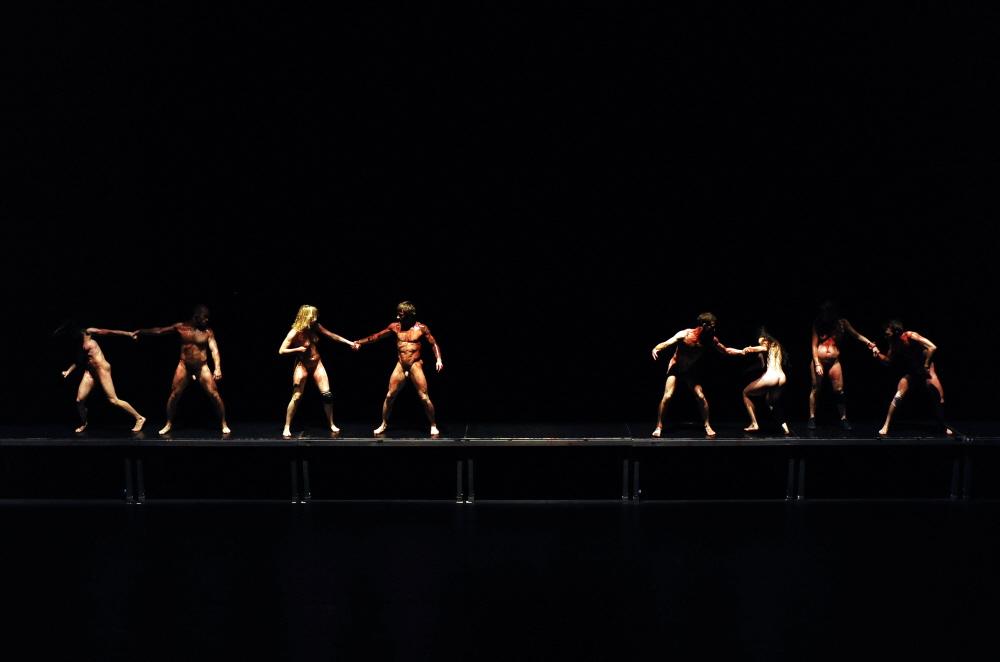 danza contemporanea-Dave-St-Pierre-Photographe-Wolgang-Kirchner-milano-arte-expo-danza 3