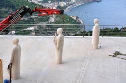 Mimmo Paladino - I Testimoni - Auditorium Oscar Niemeyer Ravello - allestimento