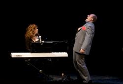 Teatro Menotti di Milano  - IL SALTIMBANCO E LA LUNA