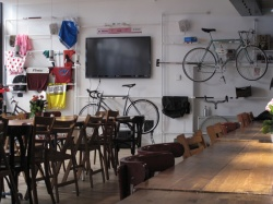 UPCYCLE Cafè urban bike cafè, Via Ampère Milano,  LOCALI E RISTORANTI