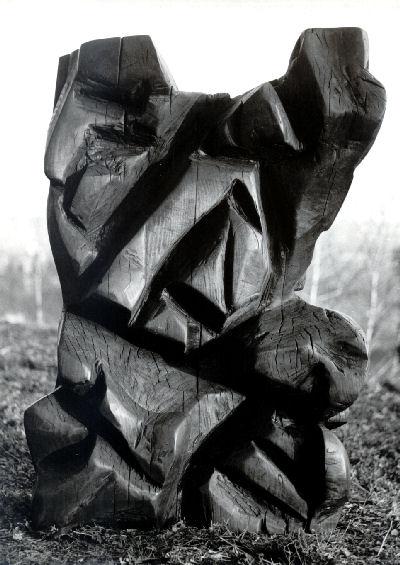 Giancarlo Sangregorio, Vento freddo, 1963, Legno di noce, H cm 106