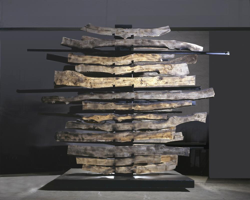 Maria Cristina Carlini, Samurai, 2013, inedito, legno di recupero, acciaio corten, cm 350x500x300