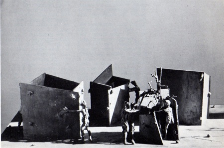 Alik Cavaliere, La città, bronzo, cm 35x118x80, 1959