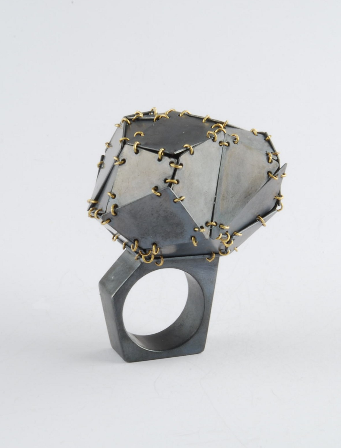 GIOIELLI - Premio Fondazione Cominelli per il gioiello contemporaneo - ELISABETTA DUPRE' anello, argento, oro