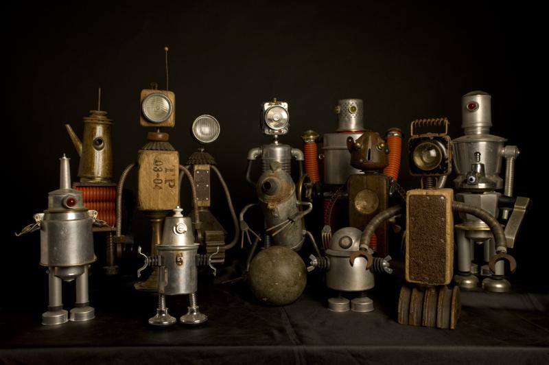 Spazio Tadini, Andrea Locci IO, ROBOT - robot-family