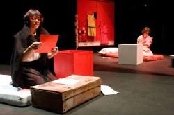Anca Visdei SEMPRE INSIEME - con Barbara Alesse e Irene Villa e la regia di Matteo Alfonso al Teatro Elfo Puccini di MILANO - foto P. Lanna
